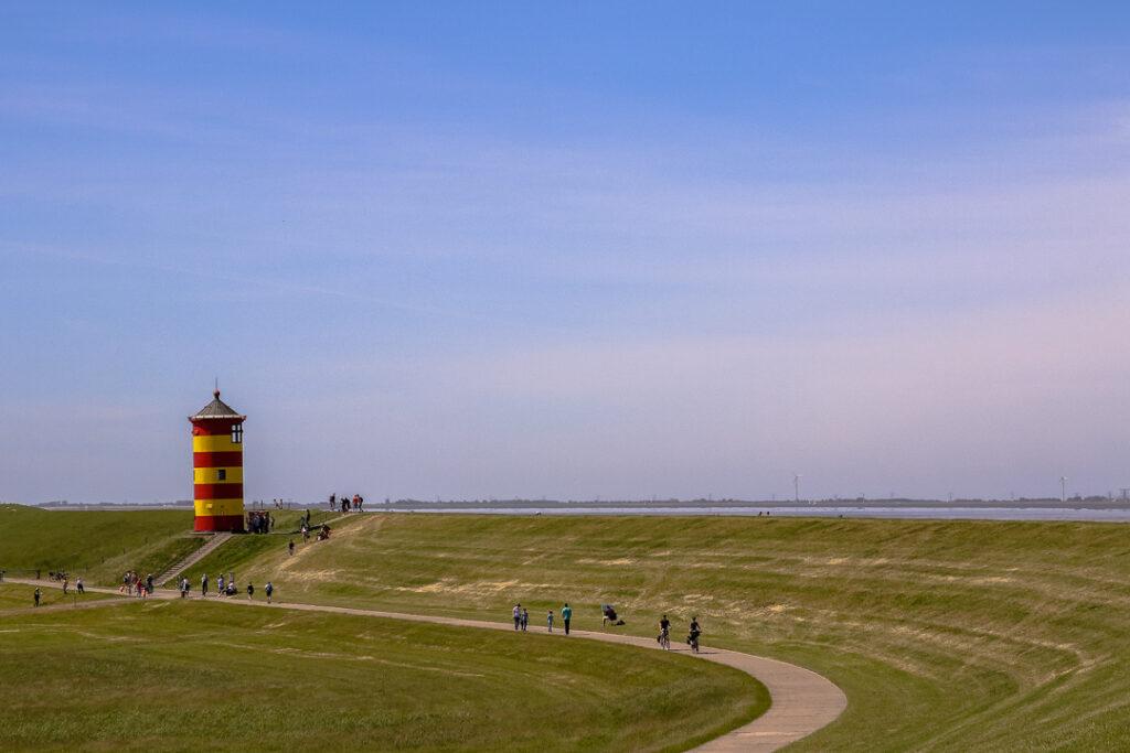 Ein Leuchtturm gehört zu jedem Familienurlaub an der Nordsee